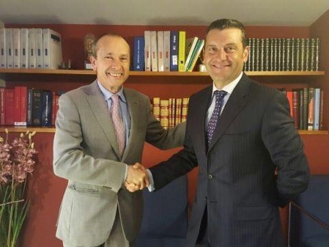 José María Martín Gavín eIñaki Durán firman del nuevo acuerdo de colaboración