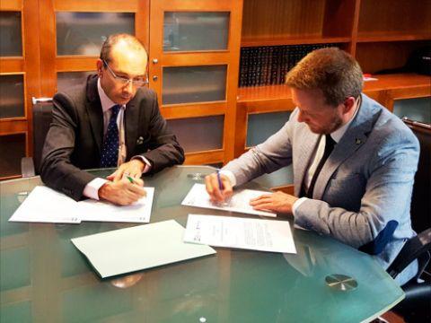 D. Genaro Sánchez Capilla (Presidente del Colegio) de Mediadores de Seguros de Granada) y D. Jose Maria Martín Gavín (Director Comercial y de Estrategia)