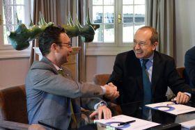 Firma del acuerdo de colaboración entre Preventiva Seguros y Look...