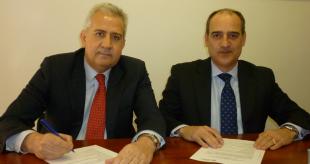 Momento de la firma del acuerdo Preventiva-Colegio Mediadores Valencia